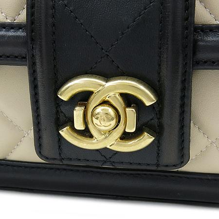 Chanel(샤넬) A90670Y10509 C6965 엘레강스 CC 베이지레더 블랙 혼방 금장로고 체인 플랩 숄더백 [강남본점] 이미지5 - 고이비토 중고명품