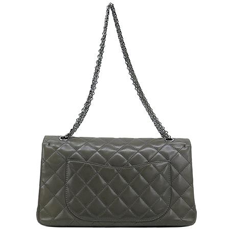 Chanel(샤넬) 소프트카프 스킨 그레이 2.55 은장로고 체인 숄더백 [대구반월당본점] 이미지4 - 고이비토 중고명품