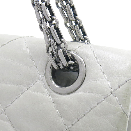 Chanel(샤넬) A30226 2.55 빈티지 M 사이즈 은장 체인 숄더백  [대구동성로점] 이미지3 - 고이비토 중고명품
