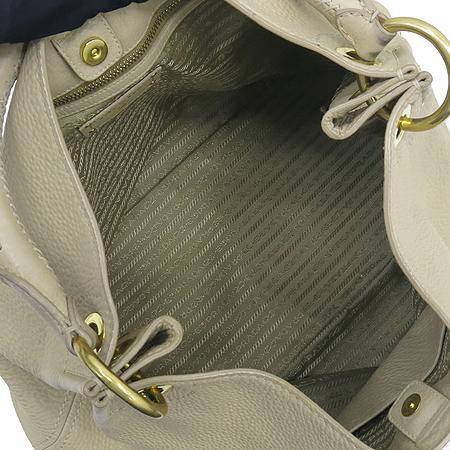 Prada(프라다) BR4712 VIT.DAINO SABBIA 베이지레더 스티치 핸들 금장로고 숄더백 [강남본점] 이미지6 - 고이비토 중고명품