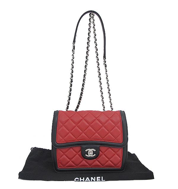 Chanel(샤넬) A68473 크루즈컬렉션 퀄팅 램스킨 은장 체인 미니 숄더 크로스백 [인천점]