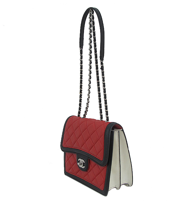 Chanel(샤넬) A68473 크루즈컬렉션 퀄팅 램스킨 은장 체인 미니 숄더 크로스백 [인천점] 이미지3 - 고이비토 중고명품
