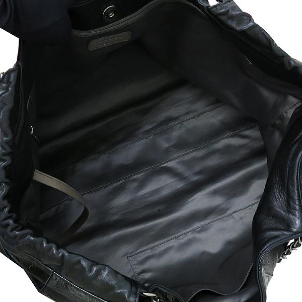 Chanel(샤넬) 크루즈컬렉션 카바스 블랙 레더 은장 체인 숄더백 [부산센텀본점] 이미지6 - 고이비토 중고명품