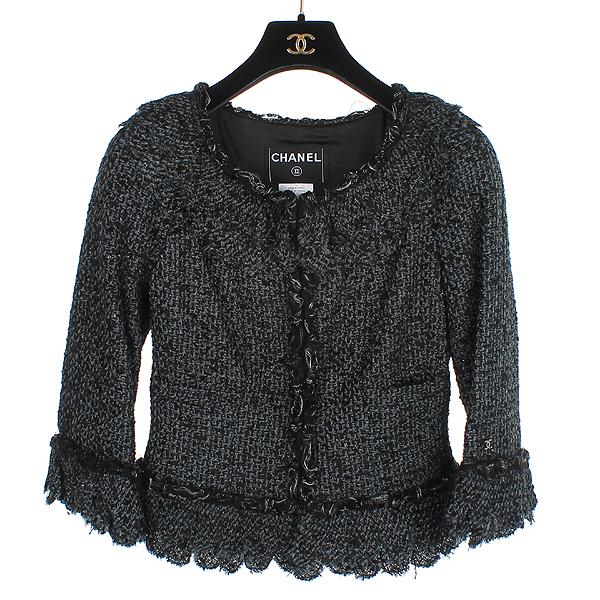 Chanel(샤넬) 크루즈컬렉션 COCO로고 블랙 트위드 여성 자켓 [동대문점]
