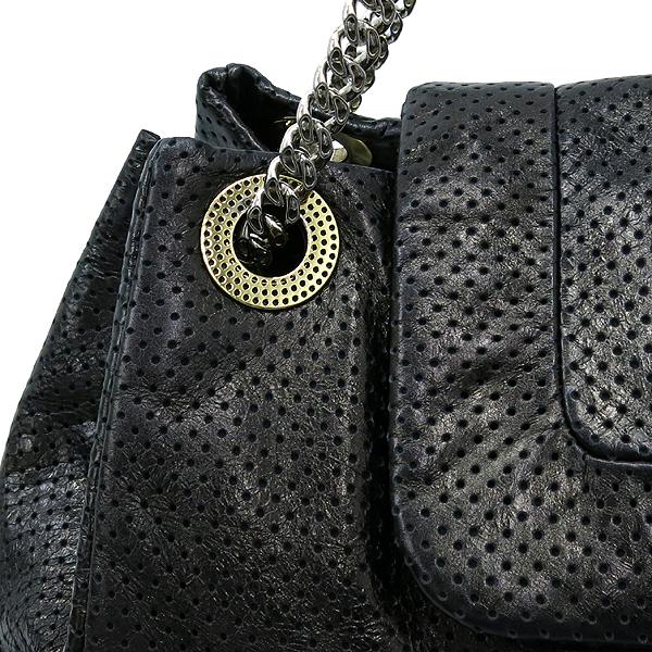 Chanel(샤넬) 크루즈컬렉션 블랙 퍼포레이션 레더 은장체인 숄더백 [부산센텀본점] 이미지4 - 고이비토 중고명품