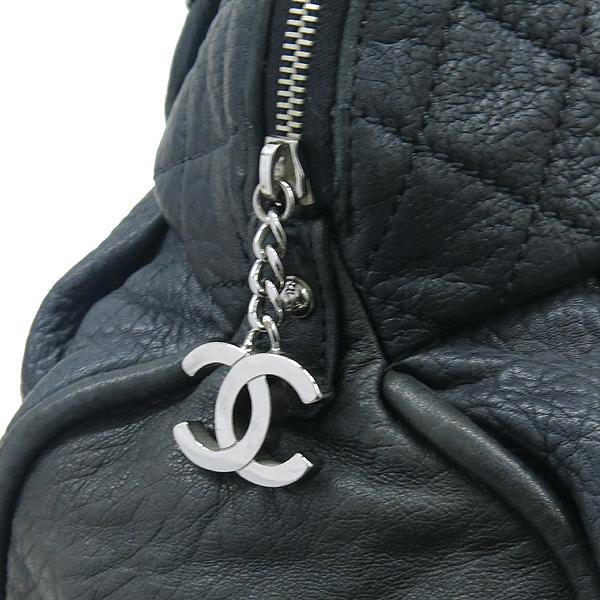 Chanel(샤넬) 블랙 퀼팅 스티치 레더 볼링 체인 숄더백 [부산센텀본점] 이미지4 - 고이비토 중고명품