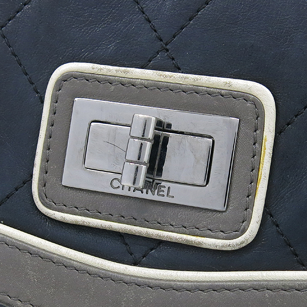 Chanel(샤넬) 은장 빈티지 장식 램스킨 숄더백 [강남본점] 이미지4 - 고이비토 중고명품