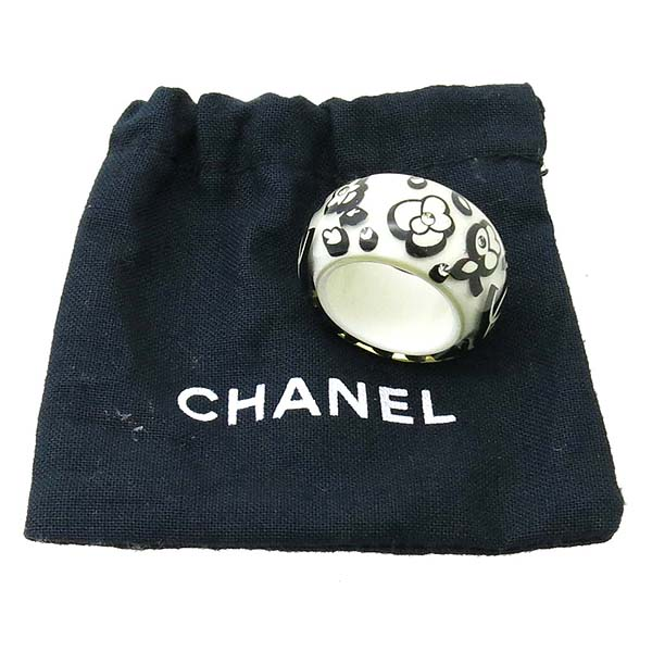 Chanel(샤넬) 로고 장식 화이트&블랙 컬러 반지 -12호 [강남본점]