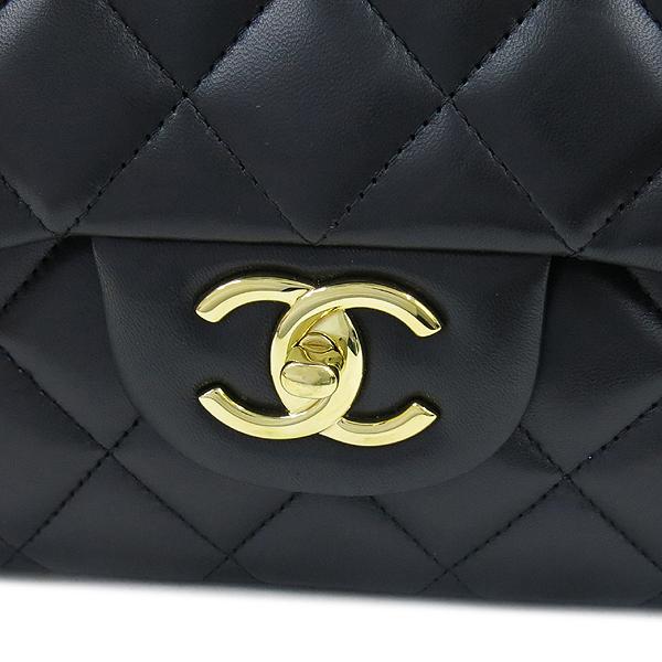 Chanel(샤넬) A58601 램스킨 블랙 클래식 맥시 사이즈 금장로고 체인 플랩 숄더백 [강남본점] 이미지5 - 고이비토 중고명품