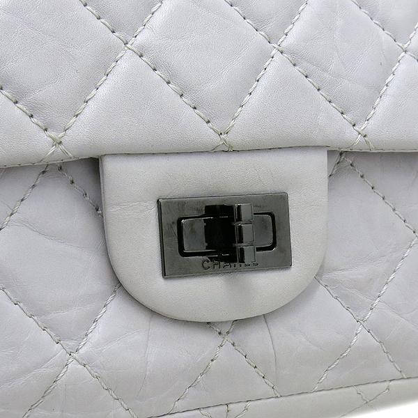 Chanel(샤넬) 2.55 빈티지 M 사이즈 화이트 체인 숄더백 [강남본점] 이미지5 - 고이비토 중고명품