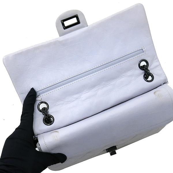 Chanel(샤넬) 2.55 빈티지 M 사이즈 화이트 체인 숄더백 [강남본점] 이미지6 - 고이비토 중고명품