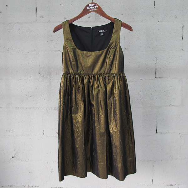 DKNY(도나카란) 면 혼방 골드 컬러 벨트 장식 여성용 민소매 원피스 [동대문점]
