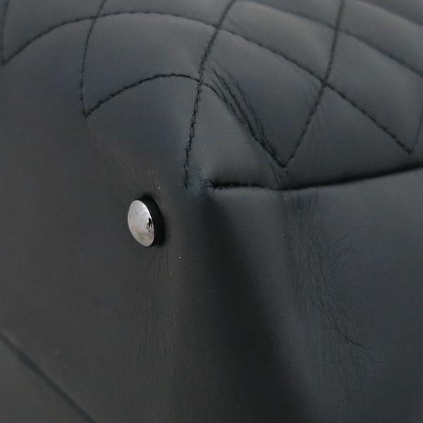 Chanel(샤넬) A93971 블랙 퀼팅 레더 COCO 은장로고 볼링 토트백 + 체인스트랩 2WAY [부산센텀본점] 이미지5 - 고이비토 중고명품