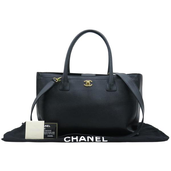 Chanel(샤넬) A15206Y01570 카프스킨 블랙 금장 COCO로고 서프 토트백 + 숄더스트랩 2WAY [대구동성로점]