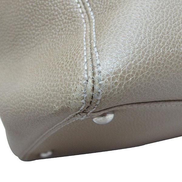 Chanel(샤넬) 카프스킨 베이지 은장 COCO로고 서프 토트백 [강남본점] 이미지4 - 고이비토 중고명품