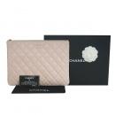 Chanel(샤넬) A82545Y04059 핑크 램스킨 금장 로고 뉴미듐 클러치 [동대문점]