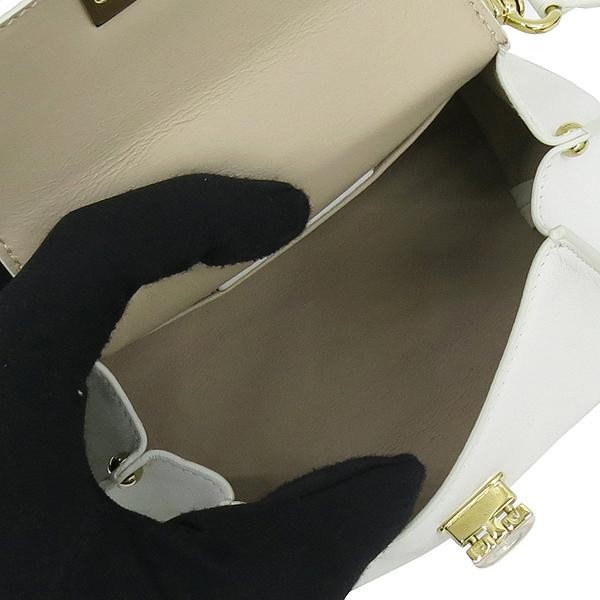 Ferragamo(페라가모) 21 F086 오프화이트 금장 간치니 버클 장식 미니 토트백 + 숄더 스트랩 [대구반월당본점] 이미지6 - 고이비토 중고명품