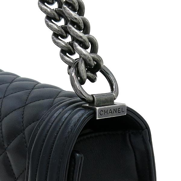Chanel(샤넬) A67086 보이샤넬 S사이즈 블랙 램스킨 은장 체인 숄더백 이미지3 - 고이비토 중고명품