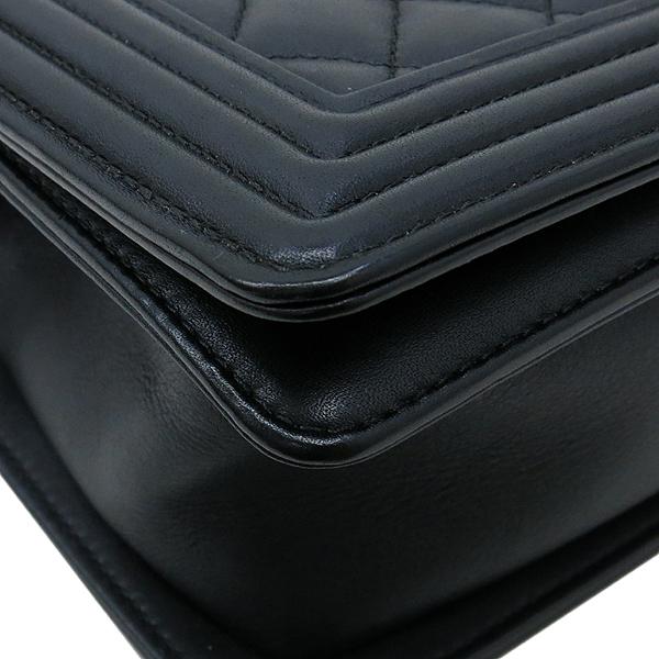 Chanel(샤넬) A67086 보이샤넬 S사이즈 블랙 램스킨 은장 체인 숄더백 이미지5 - 고이비토 중고명품