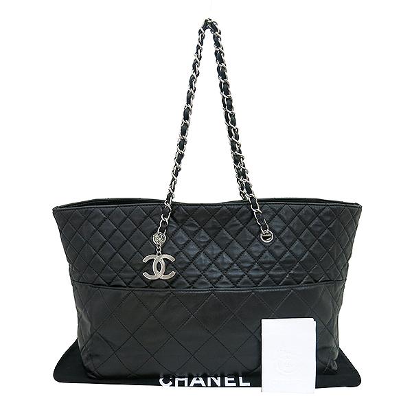 Chanel(샤넬) 크루즈컬렉션 COCO 로고 램스킨 인비지니스 쇼퍼 은장 체인 숄더백 [부산센텀본점]