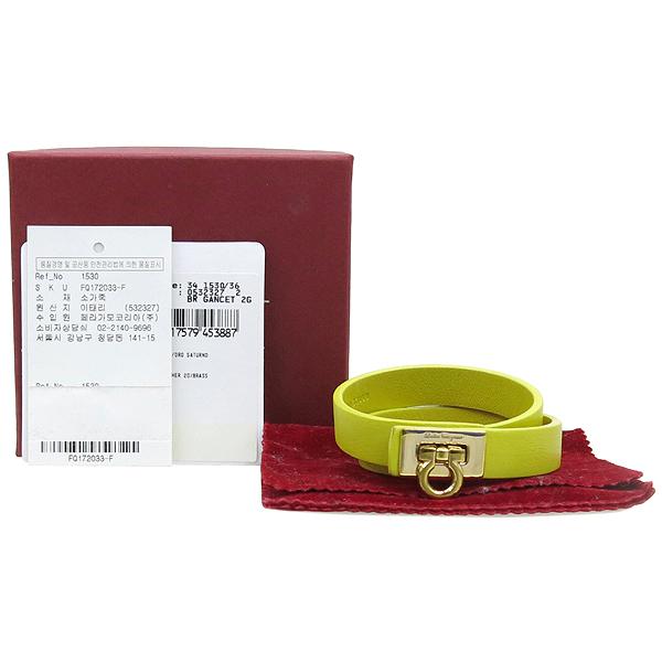 Ferragamo(페라가모) 34 1530 라임컬러 레더 금장 간치노 락 장식 더블 스트랩 팔찌 [강남본점]