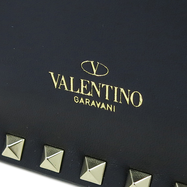 VALENTINO(발렌티노) NW1B0399 블랙 레더 가라바니라인 락스터드 클러치백 [강남본점] 이미지4 - 고이비토 중고명품