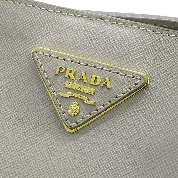 Prada(프라다) BN1844 금장 로고 장식 그레이 사피아노 럭스 토트백 [강남본점] 이미지4 - 고이비토 중고명품