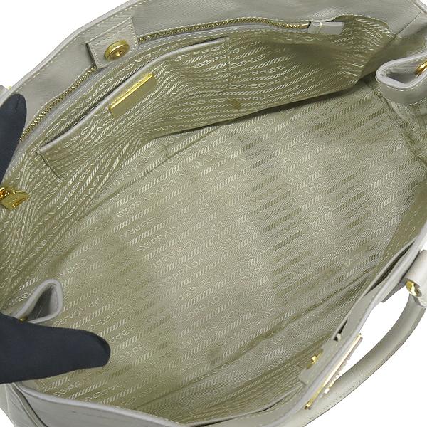 Prada(프라다) BN1844 금장 로고 장식 그레이 사피아노 럭스 토트백 [강남본점] 이미지6 - 고이비토 중고명품