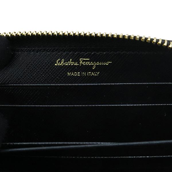 Ferragamo(페라가모) 22 C770 바라 장식 블랙 사피아노 집업 카드지갑 겸 명함지갑 [강남본점] 이미지5 - 고이비토 중고명품