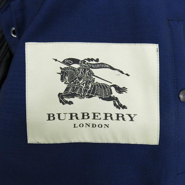 Burberry(버버리) 3955563 LONDON 네이비컬러 누빔 퀼팅 램스킨 라이닝 혼방 집업 버튼 자켓 [강남본점]