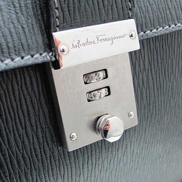 Ferragamo(페라가모) FB 249351 NERO 블랙 레더 은장 락 장식 남성용 서류가방 토트백 + 숄더스트랩 2WAY [인천점] 이미지3 - 고이비토 중고명품