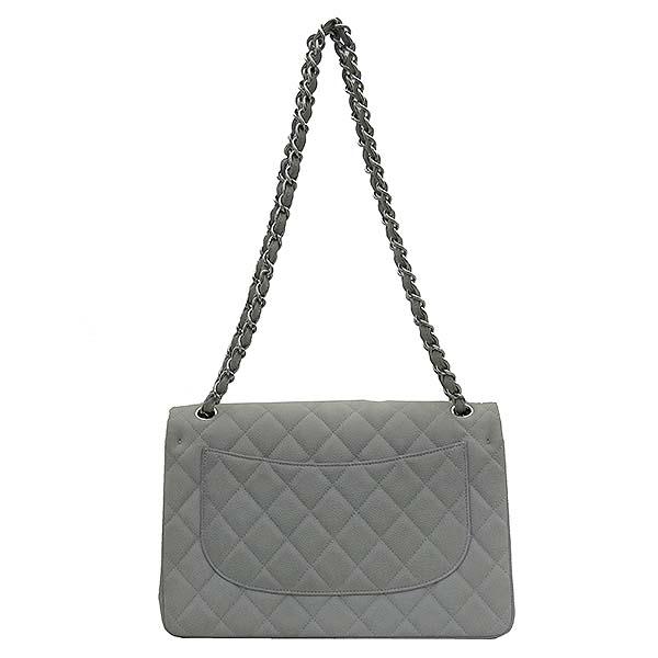 Chanel(샤넬) A58600 소프트 캐비어스킨 라이트 그레이 컬러 클래식 점보 은장 체인 숄더백 [부산센텀본점] 이미지4 - 고이비토 중고명품