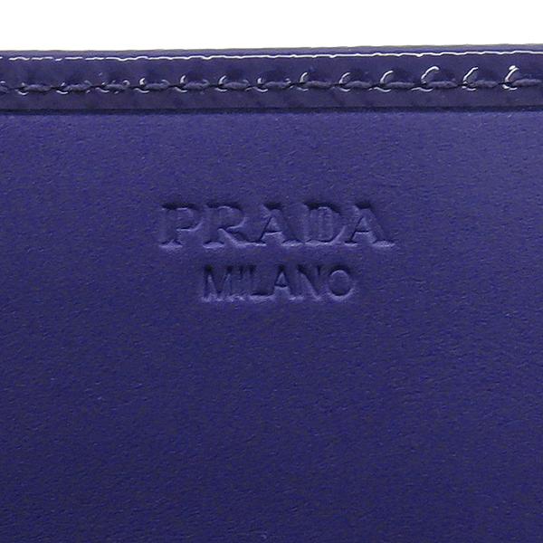 Prada(프라다) 1M1132 SAFFIANO VERNIC VIOLA 사피아노 베르닉 다크퍼플 컬러 골드메탈 리본 디테일 장지갑 [강남본점]