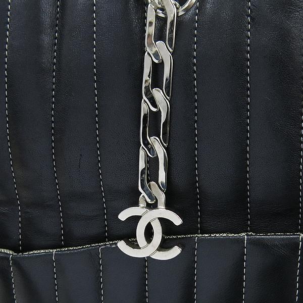 Chanel(샤넬) 스트라이프 스티치 블랙 램스킨 체인 쇼퍼 숄더백 [대구동성로점] 이미지3 - 고이비토 중고명품