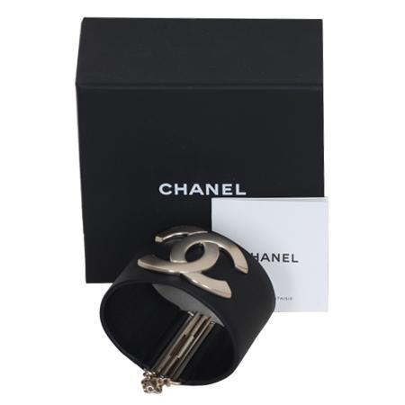 Chanel(샤넬) A96940 COCO로고 장식 여성용 뱅글 팔찌 [대구 대백프라자점]