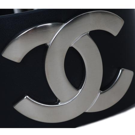 Chanel(샤넬) A96940 COCO로고 장식 여성용 뱅글 팔찌 [대구 대백프라자점] 이미지4 - 고이비토 중고명품