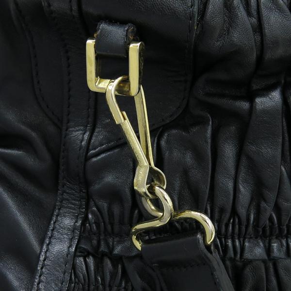 Burberry(버버리) HB37729781 금장 로고 장식 블랙 레더 호보 숄더백 + 스트랩 [강남본점] 이미지5 - 고이비토 중고명품