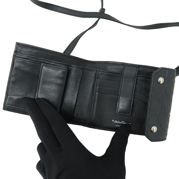 Ferragamo(페라가모) 22 4697 간치니 패턴 블랙 레더 지갑 겸 목걸이 [강남본점] 이미지3 - 고이비토 중고명품