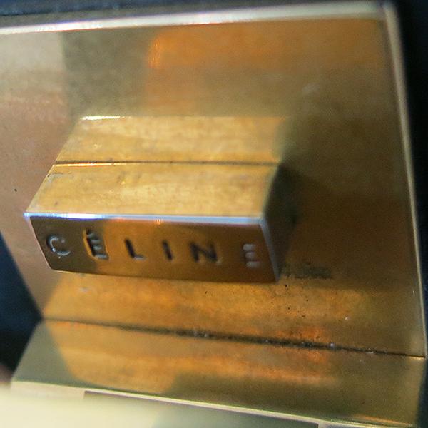 Celine(셀린느) AB022S 금장 블랙 레더 클래식박스 L사이즈 숄더백겸 크로스백 [부산센텀본점] 이미지4 - 고이비토 중고명품