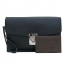 Louis Vuitton(루이비통) M32592 블랙 타이가 레더 벨라야 세컨 클러치백 [부산센텀본점]
