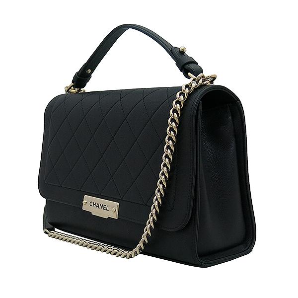 Chanel(샤넬) A93703Y6115494305 금장 로고 장식 퀼팅 블랙 그레인드 카프스킨 플랩 2WAY [부산서면롯데점] 이미지3 - 고이비토 중고명품