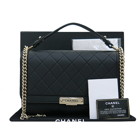 Chanel(샤넬) A93703Y6115494305 금장 로고 장식 퀼팅 블랙 그레인드 카프스킨 플랩 2WAY [부산서면롯데점]