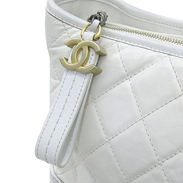 Chanel(샤넬) A93824Y61477 10601 빈티지 카프스킨 화이트 컬러 가브리엘 호보 골드실버 메탈 체인 더블 C 디테일 숄더 겸 크로스백 [강남본점] 이미지4 - 고이비토 중고명품
