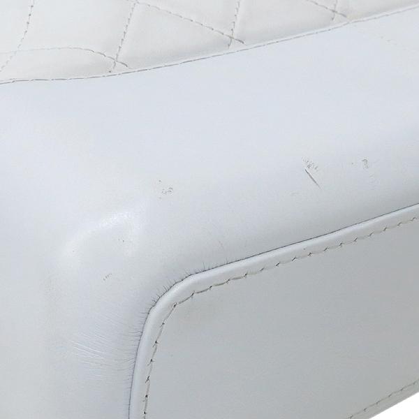 Chanel(샤넬) A93824Y61477 10601 빈티지 카프스킨 화이트 컬러 가브리엘 호보 골드실버 메탈 체인 더블 C 디테일 숄더 겸 크로스백 [강남본점] 이미지5 - 고이비토 중고명품