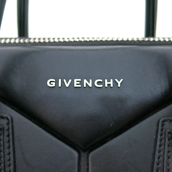 GIVENCHY(지방시) BB05100635 블랙 컬러 카프 스킨 안티고나 무광 토트백 + 숄더스트랩 2way  [대구동성로점] 이미지4 - 고이비토 중고명품