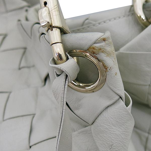 JIMMY CHOO(지미추) 아이보리 위빙 래더 뱀피네임텍 로고장식 호보 숄더백 [부산센텀본점] 이미지3 - 고이비토 중고명품