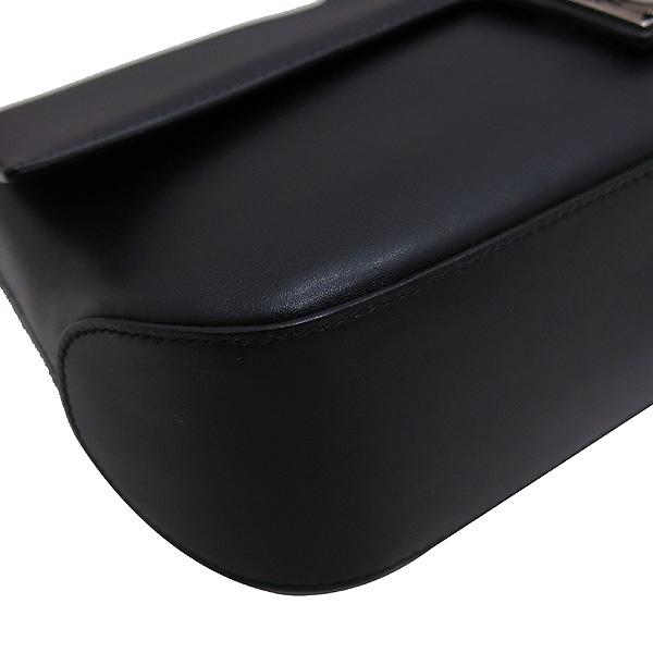 Ferragamo(페라가모) 21 1780 블랙 레더 은장 간치니 로고 플랩 미니 숄더백 [인천점] 이미지5 - 고이비토 중고명품