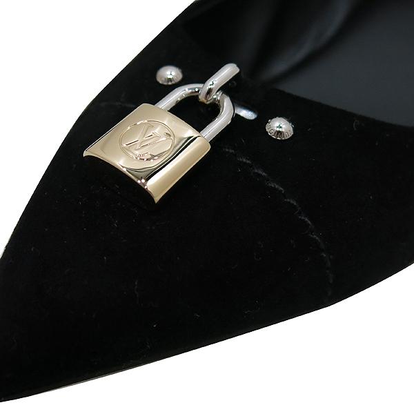 Louis Vuitton(루이비통) 블랙 스웨이드 금장 락 장식 여성용 스켈레토 플랫 슈즈 [인천점] 이미지4 - 고이비토 중고명품