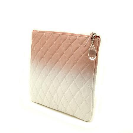 Chanel(샤넬) 18 S/S  한정판 핑크+화이트 페이던트 그라데이션 참장식 클러치백 -25번대 (W) 이미지3 - 고이비토 중고명품