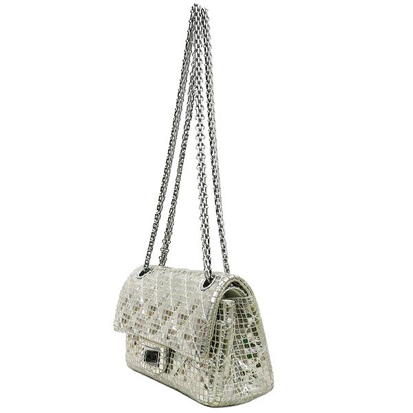 Chanel(샤넬) 실버 메탈릭 미러 디테일 2.55 미니 퀼팅 은장로고 체인 플랩 숄더백 [강남본점] 이미지3 - 고이비토 중고명품